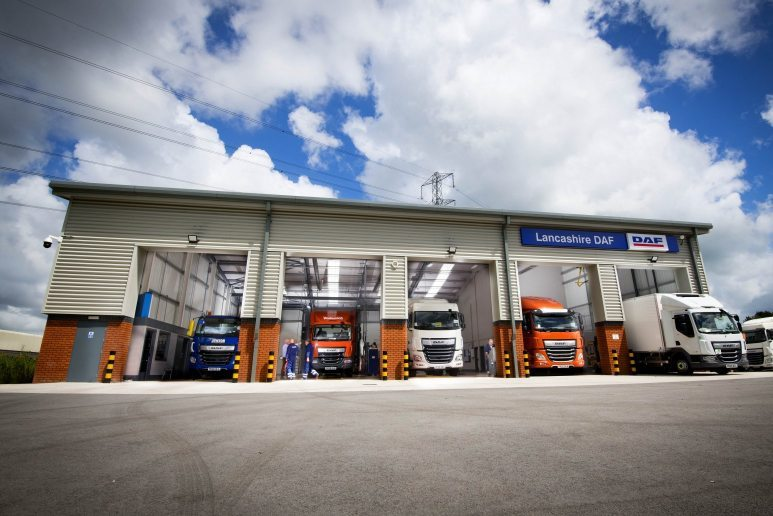 Customer support drives DAF Trucks to record 32% market share in 2020